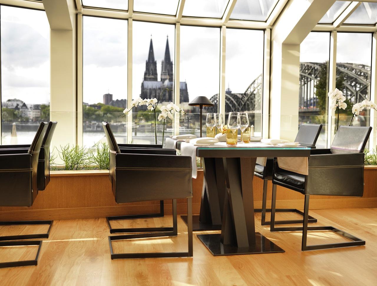 Glashaus Restaurant & Bar - Domblick / ©Hyatt Regency Köln