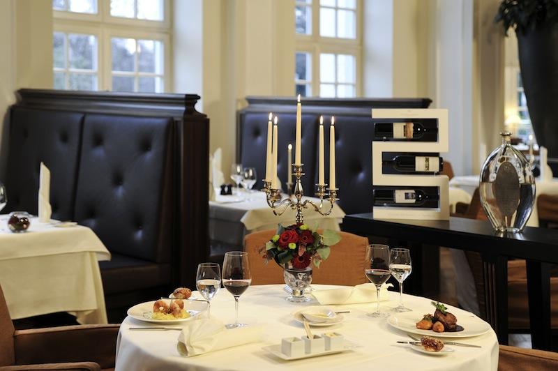 Gedeckter Tisch im Restaurant La Brasserie / © Ingrid Jost-Freie