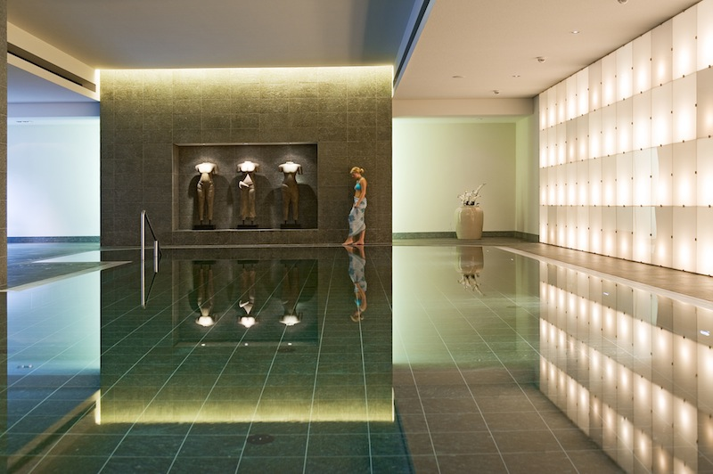 "Das Spa ""fit and spa lounge"" des Pullmann Aachen Quellenhof, stilvoll und elegant / © Serge Detalle"