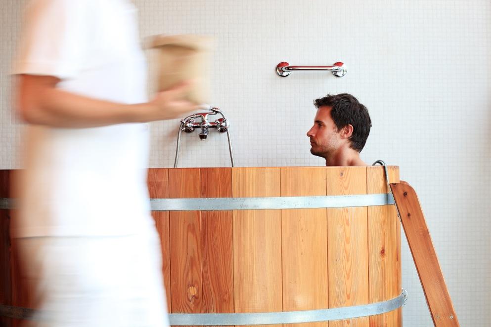 Schon mal ein Bierbad genossen? In der Therme Meran ist es möglich / © Manuela Prossliner