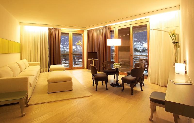 Der Wohnbereich der Calla-Suite / © Hotel Therme Meran GmbH