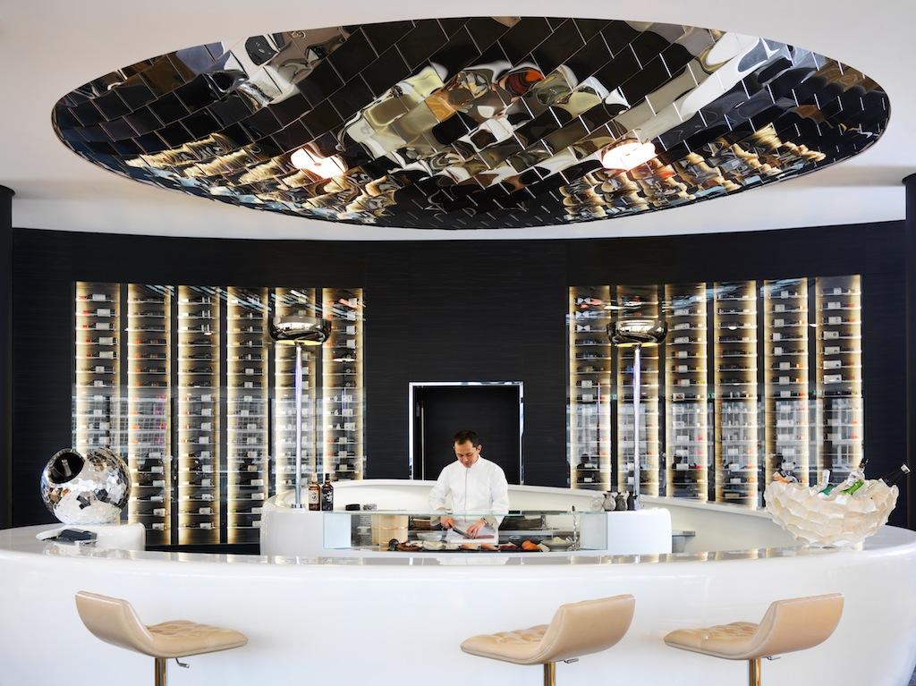 Die schöne Sushi-Bar im DOX Restaurant / © HYATT REGENCY