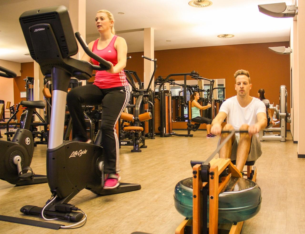 Der gut ausgestatte FitnessClub im VitaSol / © VitaSol Therme GmbH