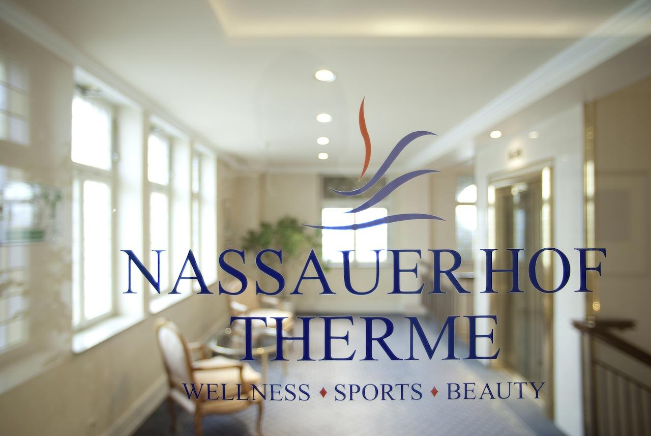 Der Eingang zur Therme vom Nassauer Hof / © Nassauer Hof