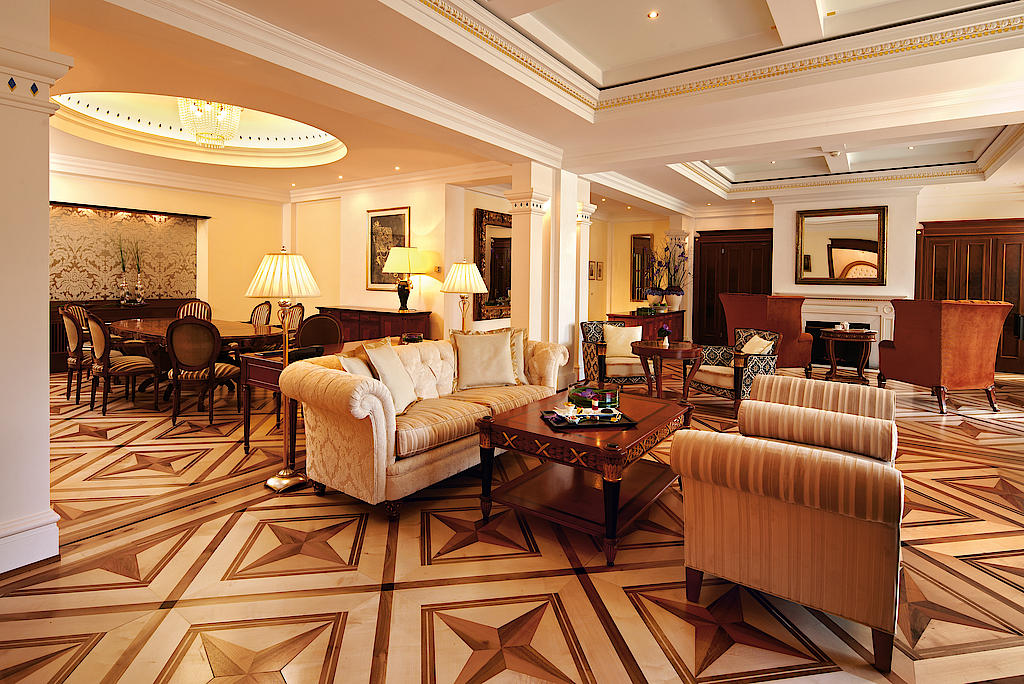 Wohn- und Essbereich Royalsuite / © Grand Resort Bad Ragaz