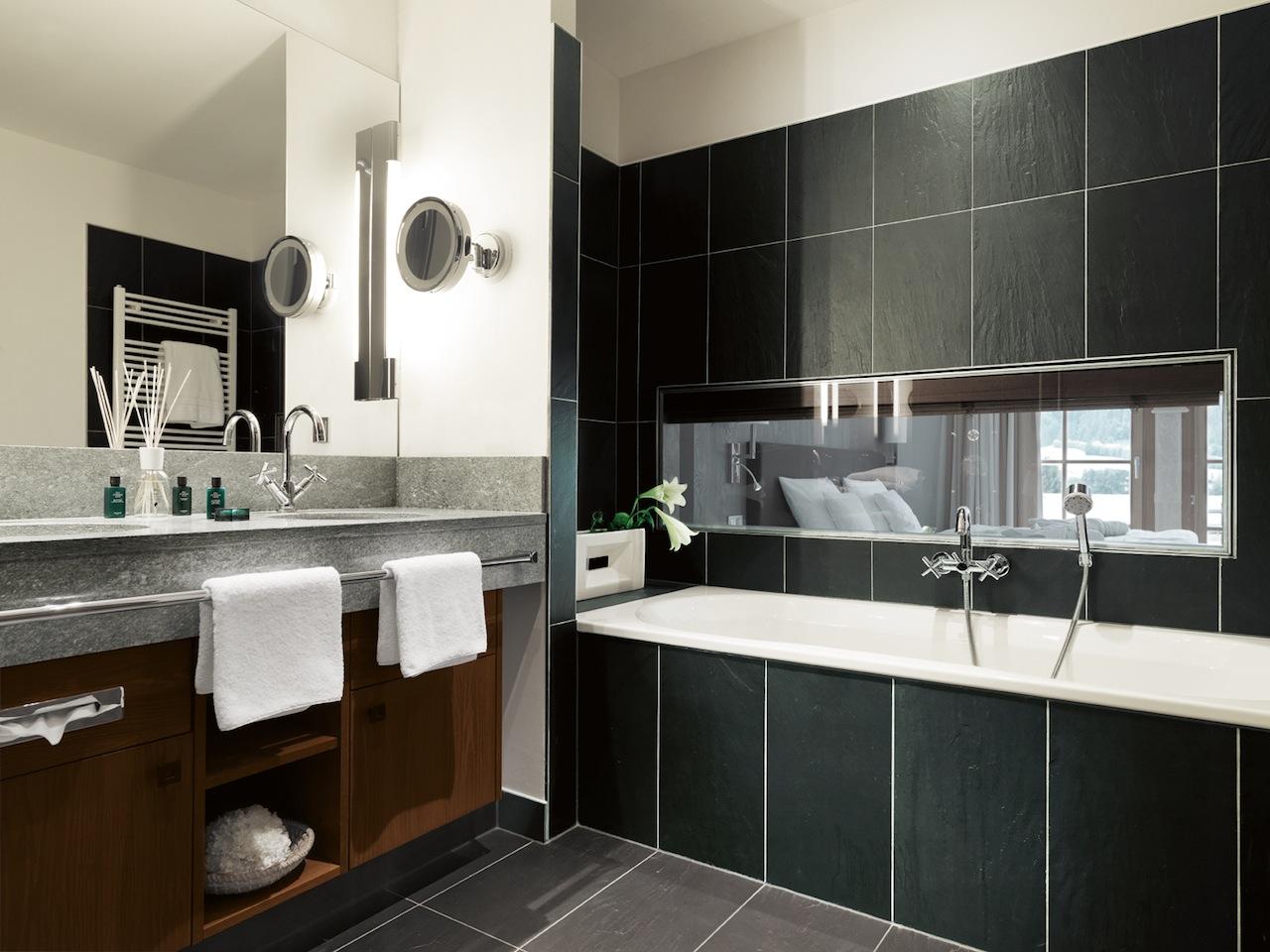 Ein Blick ins modern gestaltte Badezimmer