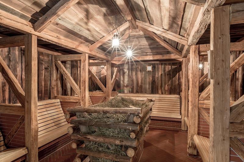 Die Heustadl-Sauna - hier macht das Saunieren Spaß / © AQUA DOME