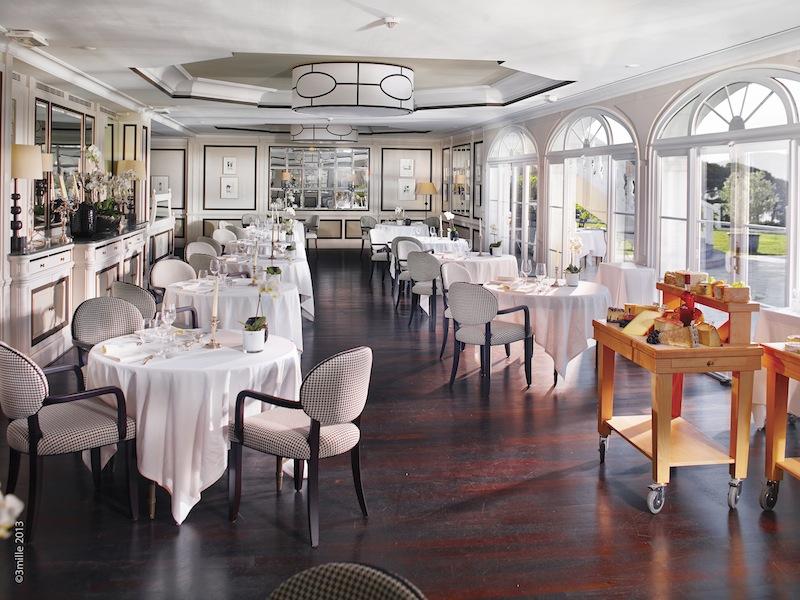 """Das Restaurant """"Le Belrose"""" - vorzüglich dinieren mit exzellentem Service / © Althoff Hotel Villa Belrose"""