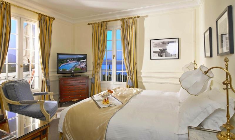 Das Standard-Doppelzimmer mit schönem Ausblick / © Althoff Hotel Villa Belrose
