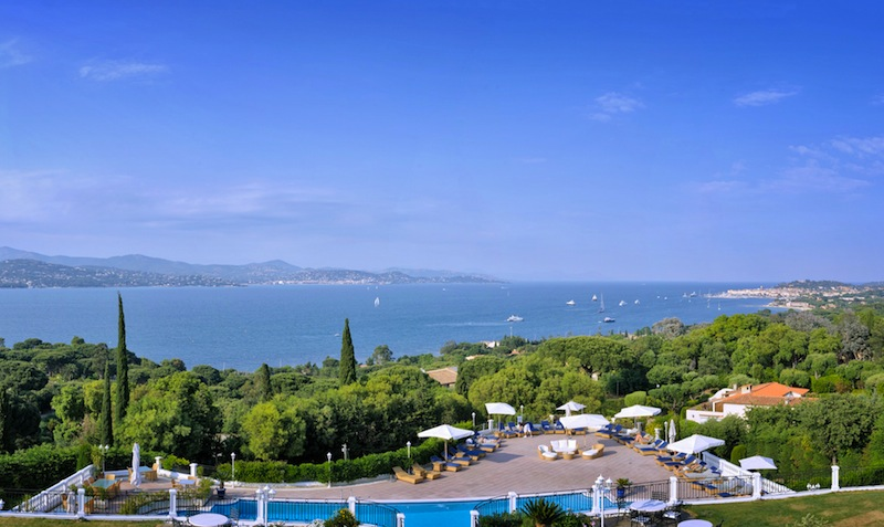 Der fantastische Blick vom Balkon der Suite Top-Floor Panoramablick / © Althoff Hotel Villa Belrose