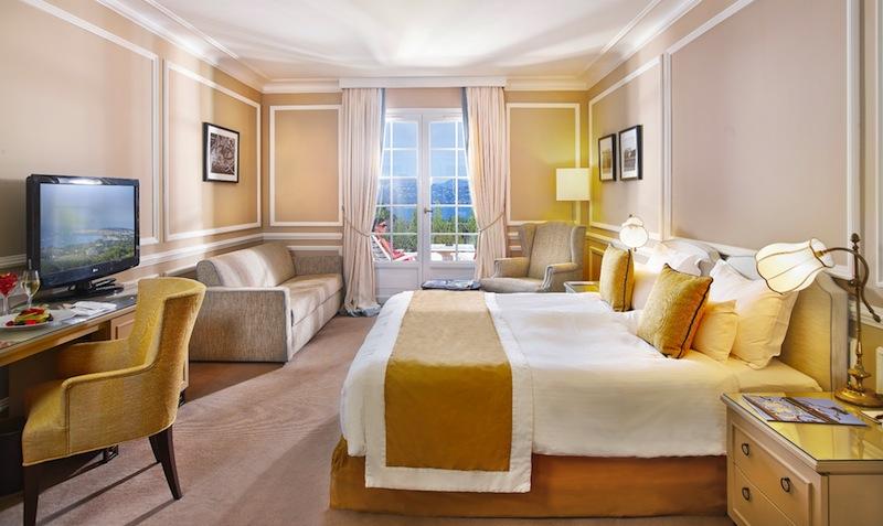 Superior-Doppelzimmer mit Poolblick in anderem Design / © Althoff Hotel Villa Belrose