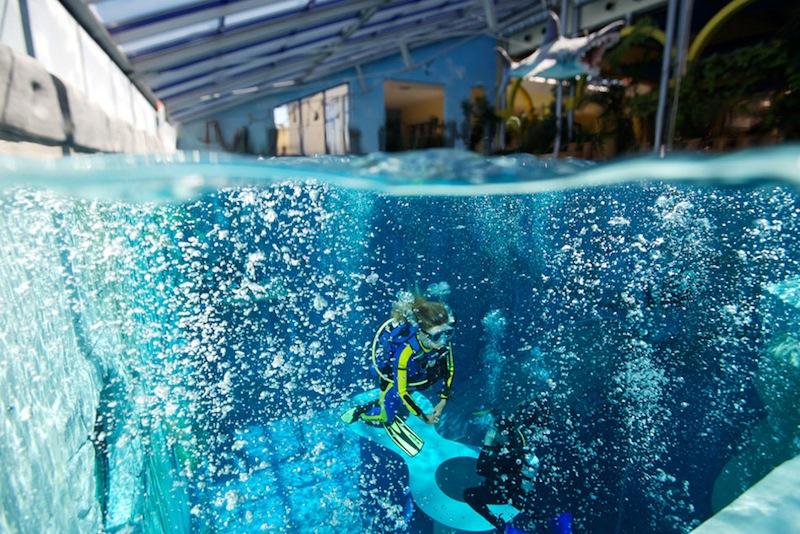 Indoor Tauchzentrum monte mare - hier kommt keine Langeweile auf / © Phil Simha sunfishproductions