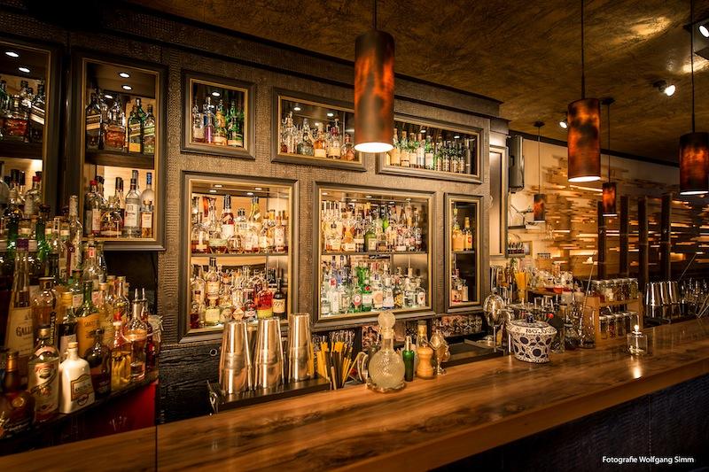 Die Bar ONA MOR in Köln. Hier werden traumhafte Cocktails serviert / © ONA MOR