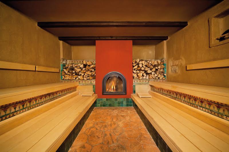 Die Finca-Sauna ist aufgrund der geringen Luftfeuchtigkeit von nur 8%, gefühlt die heißeste Sauna im MEDITERANA / © Mediterana