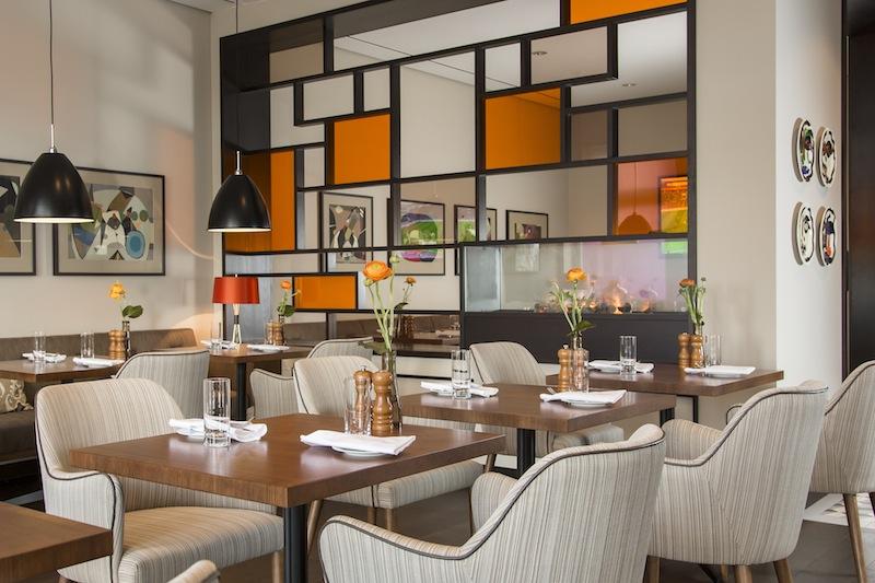Die ruhige Sitzecke im Oliveto Ameron Hotel Königshof lädt ein / © AMERON Hotel Königshof