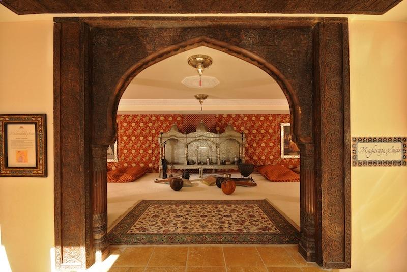 Maharadja-Suite: Sich wie ein Halbnomade fühlen und die Kunstfertigkeiten des wohl ältesten Volksstammes bewundern / © Mediterana