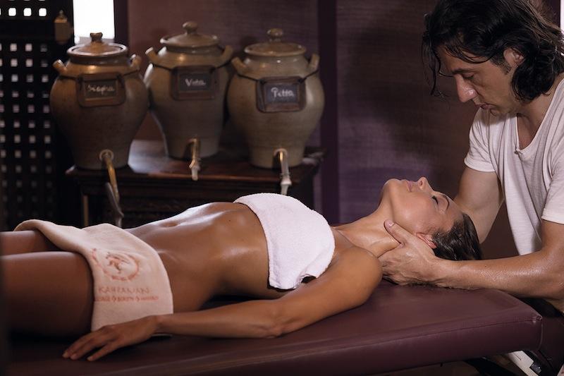 Relax-to-Balance oder der entspannenden Strong-to-Balance Massage - alles ist machbar / © Neptunbad Köln