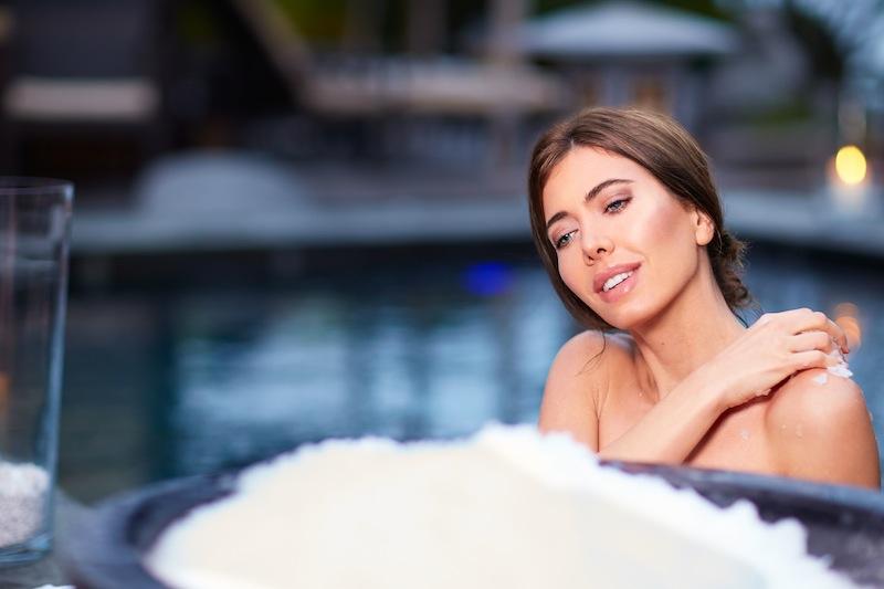 Im Sommer ist der Eisabrieb eine willkommene Abkühlung für die Haut / © Neptunbad Köln