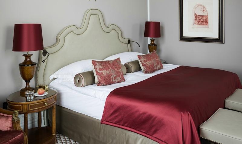 Herrschaftlich schlafen in den neu gestalteten Grand Lit Zimmern / © Althoff Grandhotel Schloss Bensberg