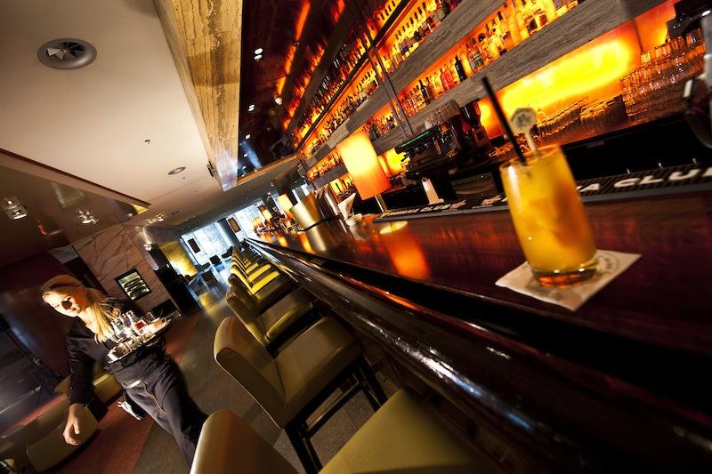 Die stilvolle Harry's New-York Bar im Dorint Hotel am Heumarkt Köln. Hier trifft man sich gerne / © Dorint