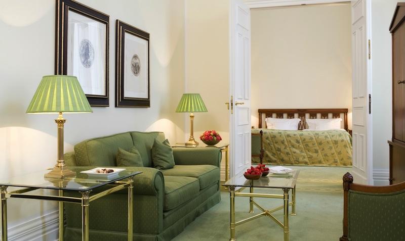 Fürstlich und luxuriöse wohnen lässt sich in der Fürsten Suite / © Althoff Grandhotel Schloss Bensberg