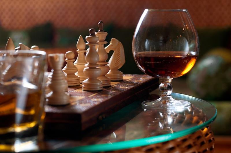 Auch ein Schachspiel oder ein Rum-Tasting ist im Neptunbad Köln möglich / © Neptunbad Köln