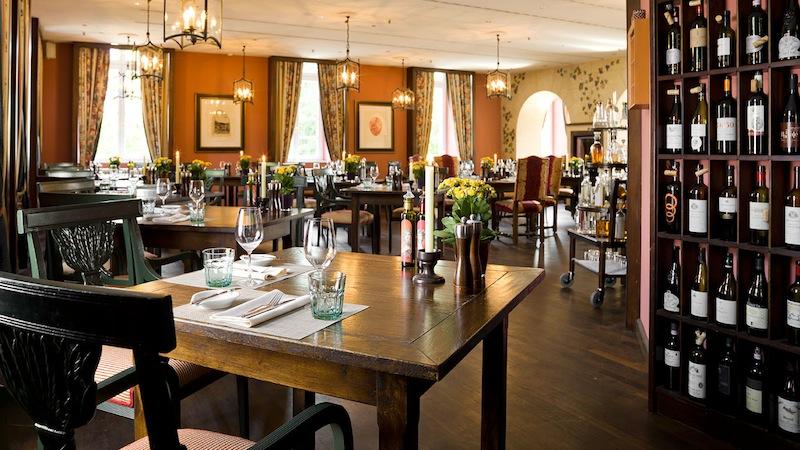 Mit italienischer Cucina Casalinga besticht die Trattoria Enoteca in entspannter mediterraner Atmosphäre / © Althoff Grandhotel Schloss Bensberg