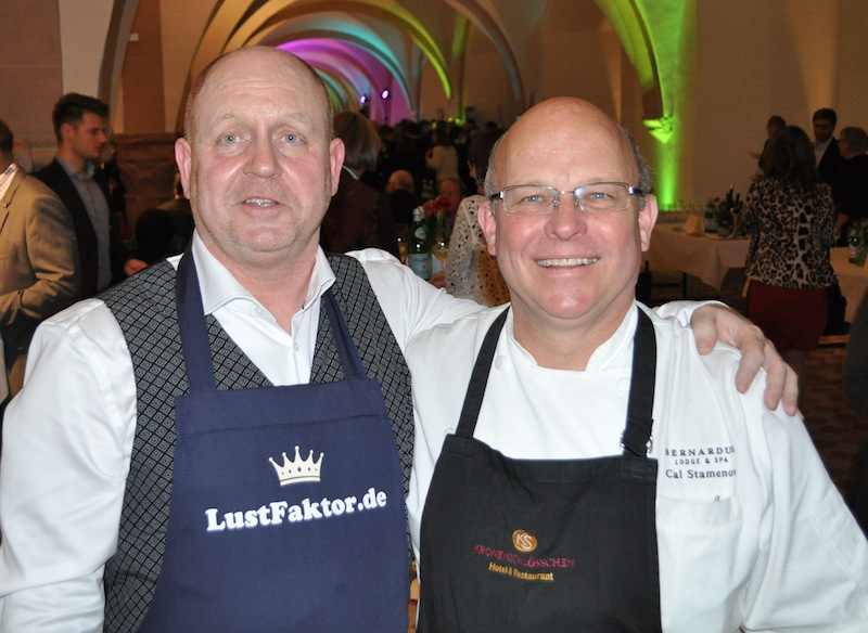 Herausgeber Andreas Conrad und 2-Sterne Koch Cal Stamenov, der zu den besten Köchen der USA zählt / © Redaktion FrontRowSociety.net