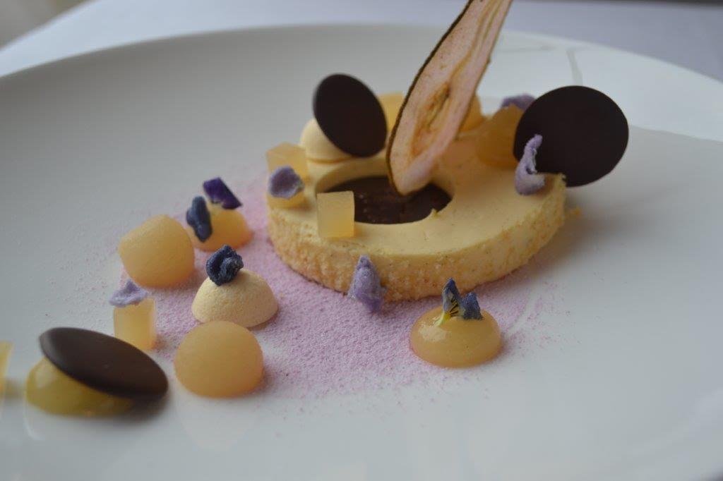 Köstliche, süße Verführungen und Abschluss eines gelungenen Menüs / © Clausmanns Hof