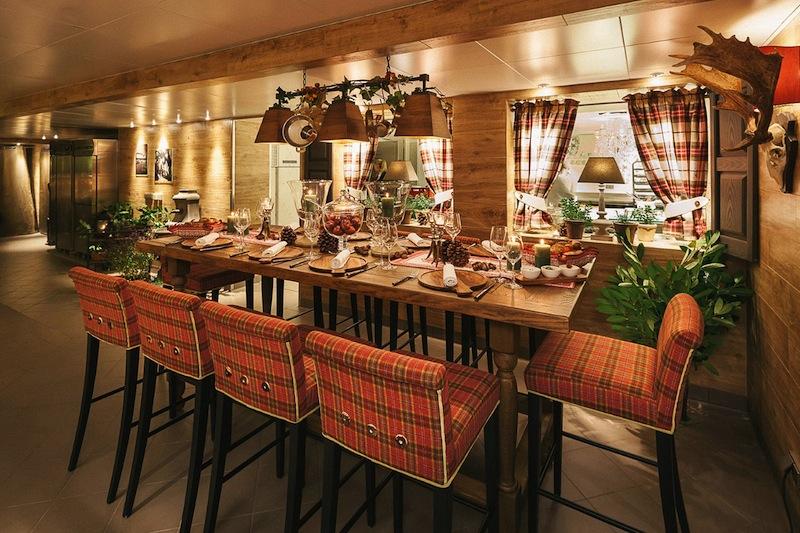 Das ist ein Teil des in 2013 komplett renovierten Kücheneventbereichs im 5-Sterne Fairmont Hotel Vier Jahreszeiten / © Fairmont Hotel Vier Jahreszeiten / Foto Guido Leifhelm