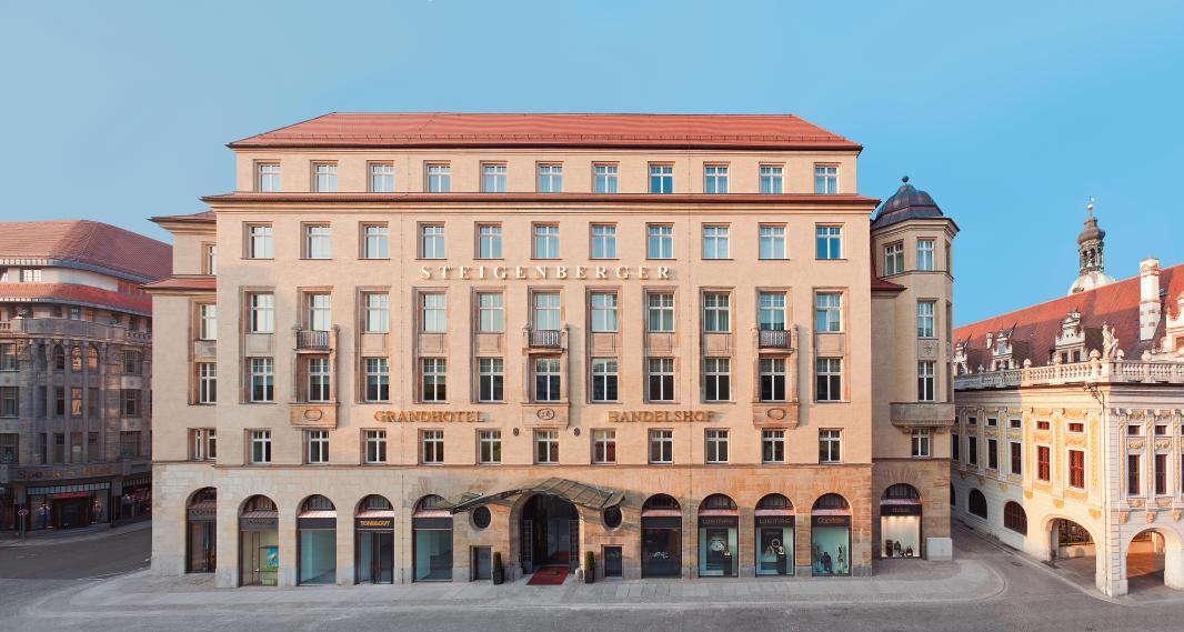 Aussenansicht von vorne auf das ehrwürdige Steigenberger Grandhotel Handelshof, Leipzig / © Steigenberger Leipzig