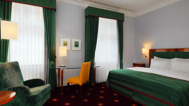 Die Deluxe Zimmer haben eine Größe von 26 bis 33 Quadratmeter. Einige Räume sind zum ruhigen Innenhof gerichtet / © Hotel Fürstenhof, Leipzig