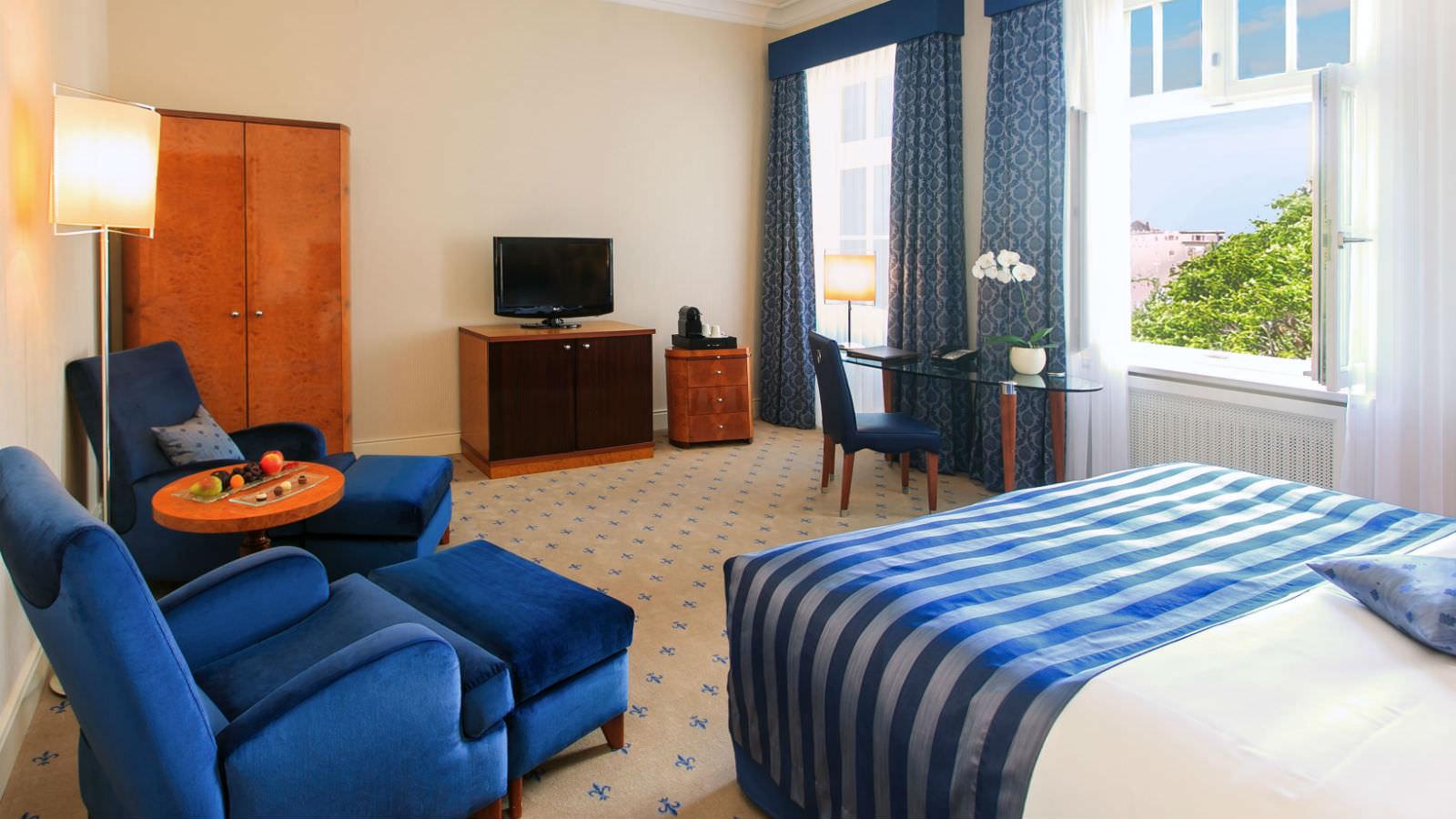 Hier ein Blick in eines der schönen Executive Zimmer im 5-Sterne Luxushotel Fürstenhof, Leipzig / © Hotel Fürstenhof, Leipzig