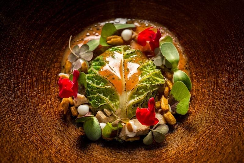 "Im Restaurant ""De Librije"" in Zwolle zaubert Jonnie Boer feine Teller / © Foto Eric Benjamin Kleinberg"