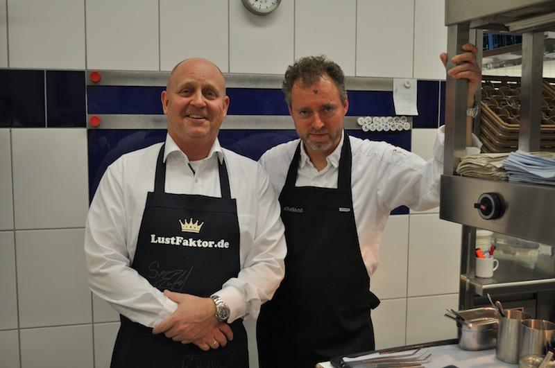 Zu Besuch in der Sterneküche des Gourmet-Restaurant AQUA - Meister Sven Elverfeld und Andreas Conrad hatten sich viel zu erzählen / © Redaktion FrontRowSociety.net