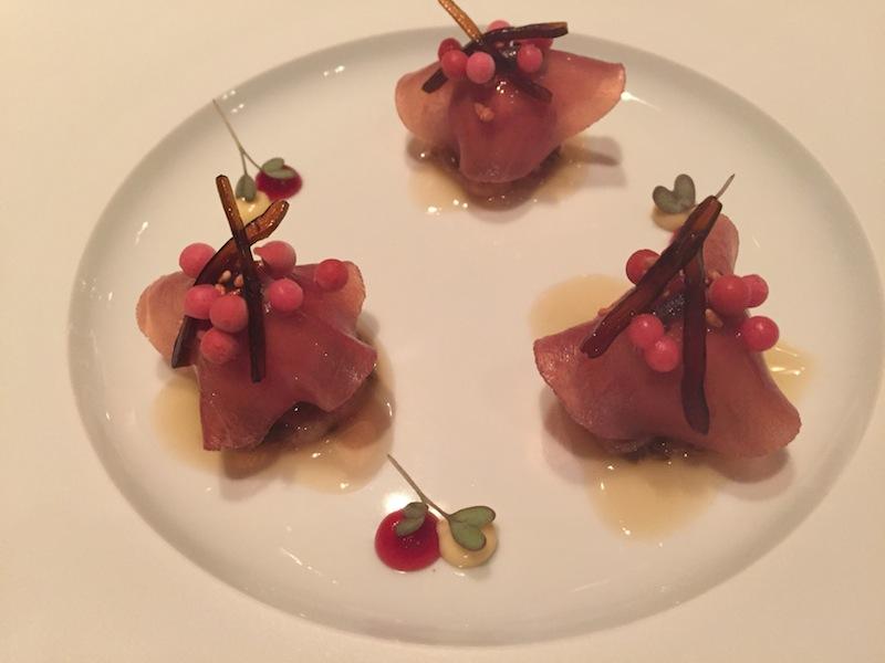 Auch die Kombination Thunfisch und Gänseleber kannte ich so noch nicht. Geschmackliche Vielfalt grüßt den Gaumen der Feinschmecker / © Redaktion FrontRowSociety.net