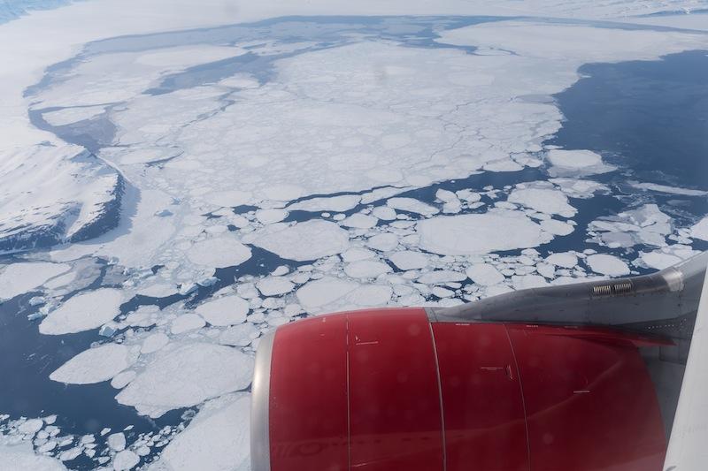 Von freiem Meer aus erreichen wir die Arktis und die ersten Eisschollen / © Redaktion FrontRowSociety.net, Foto Patrick Becker