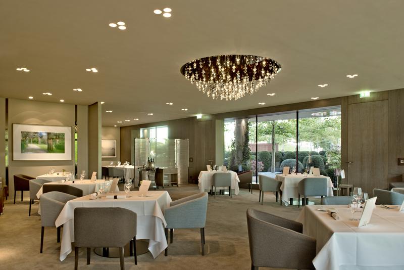 Im 3-Sterne-Restaurant AQUA kreiert Chef de Cuisine Sven Elverfeld traumhafte Gaumengenüsse / © The Ritz-Carlton, Wolfsburg
