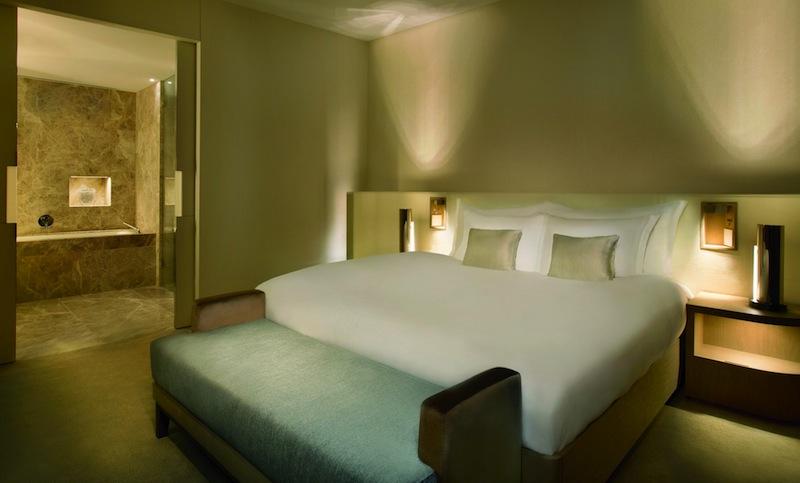 Hier der Blick ins Schlafzimmer der Club-Suite auf der 4. Etage / © The Ritz-Carlton, Wolfsburg