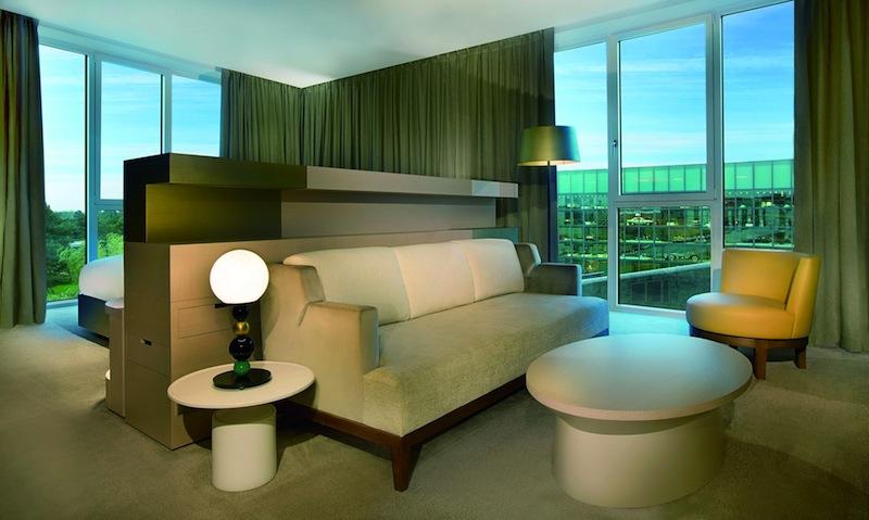 Großräumig und lichtdurchflutet präsentieren sich die Executive-Suiten / © The Ritz-Carlton, Wolfsburg