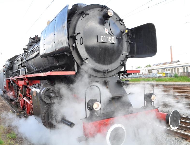 Der Rheingold Express wird hier von einer Lok 01 150 aus dem Jahre 1935 gezogen / © Redaktion FrontRowSociety.net