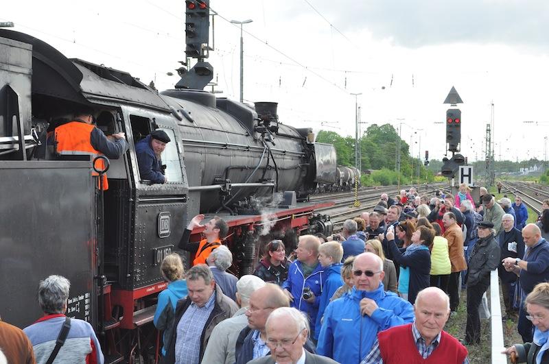 Wo auch immer die Lok 01 150 auftauchte drängelten sich die Menschen / © Redaktion FrontRowSociety.net