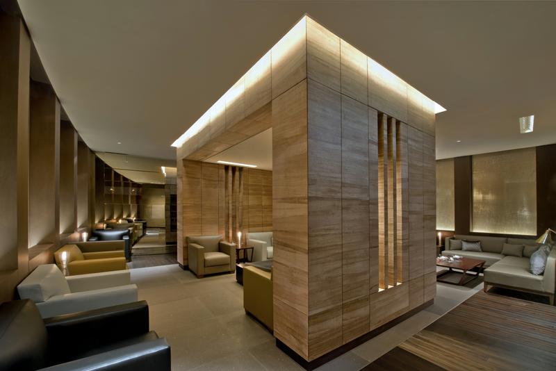 Das Hotel The Ritz-Carlton, Wolfsburg hat in der Newmen's Bar eine schöne Raucherlounge eingerichtet / © The Ritz-Carlton, Wolfsburg