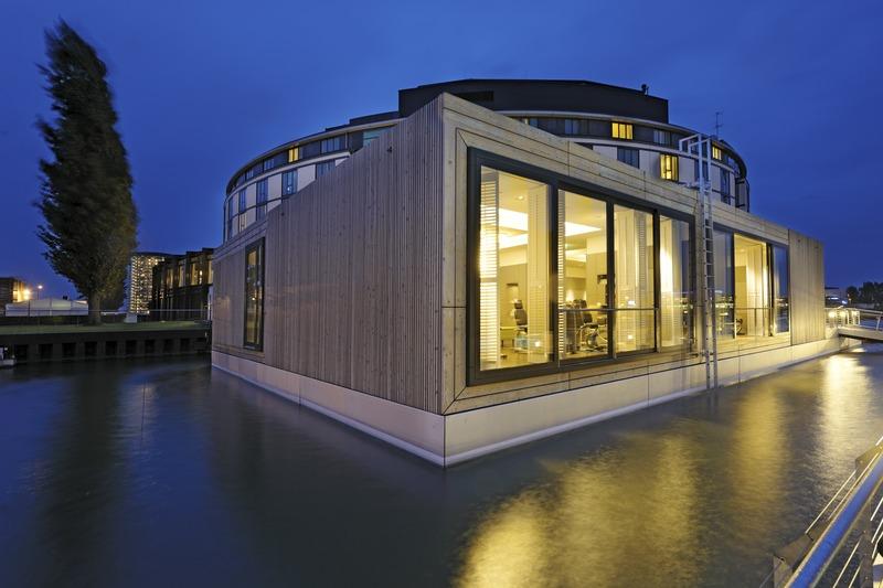 """Kubisch und futuristisch - der Fitnessbereich """"KraftWerk"""" im The Ritz-Carlton, Wolfsburg / © The Ritz-Carlton, Wolfsburg"""