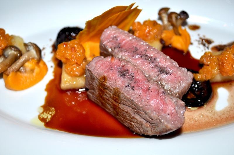 Butterzartes Fleisch mag ich für mein Leben gern. Als Fleischliebhaber war das Dry Aged Beef etwas ganz Besonderes / © Redaktion FrontRowSociety.net