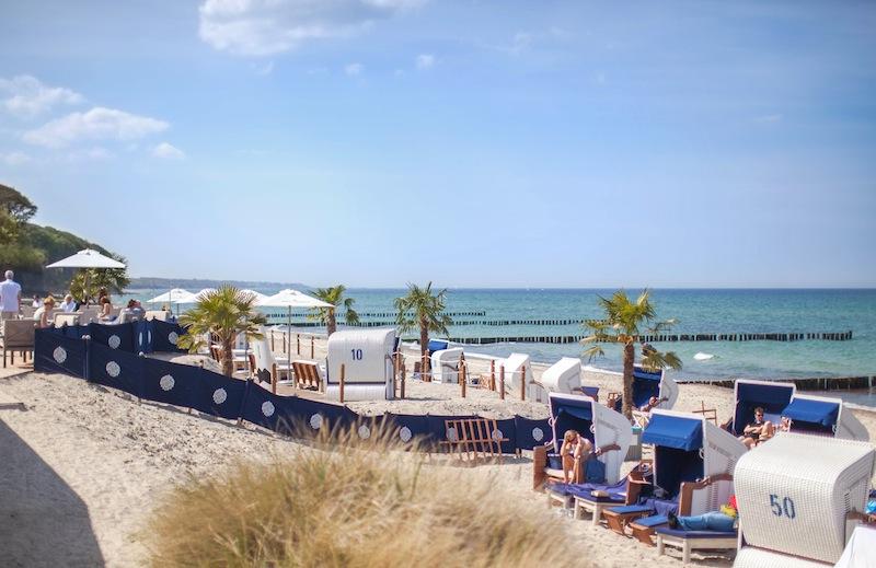 Bei sonnigem Wetter ist auch die Strandbar vor dem Grand Hotel Heiligendamm angesagt / © Grand Hotel Heiligendamm