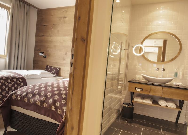 Die Suite Familienparadies hat ein zweites Badezimmer und sorgt so für genügend Freiraum / © Aqua Dome