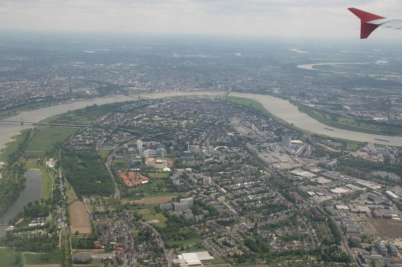 Der Sonderflug führt auch übers Ruhrgebiet - aus geringer Höhe konnte die Passagiere ihre Blicke schweifen lassen / © Redaktion FrontRowSociety.net, Foto Patrick Becker