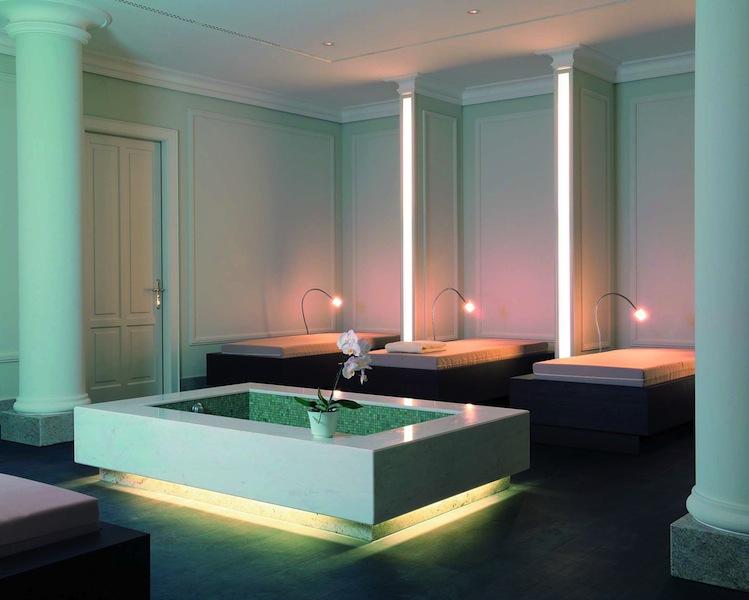 Nach dem Saunagang oder der entspannenden Massage kann der Gast hier herrlich ruhen / © Grand Hotel Heiligendamm
