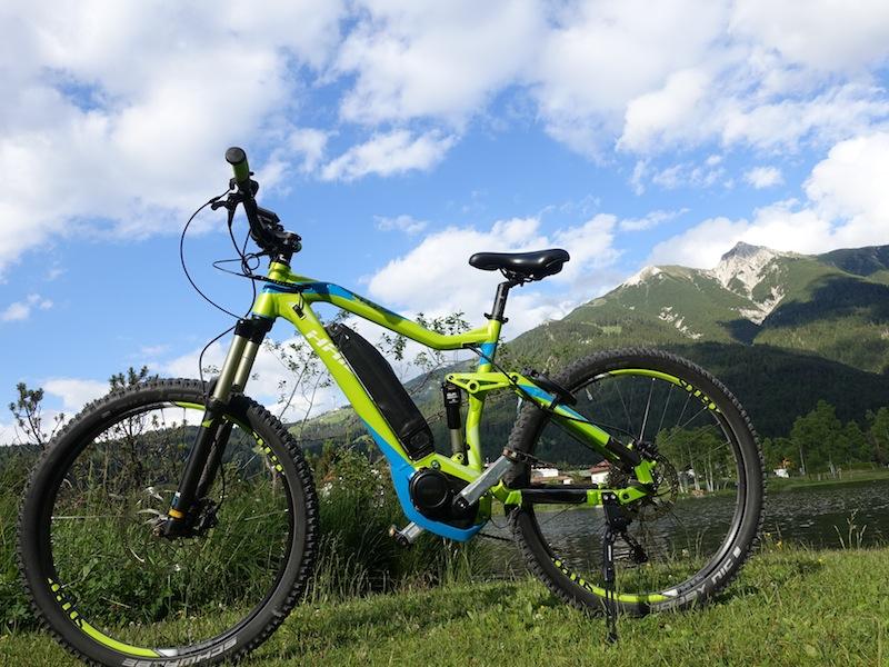 Unser Gefährt: Ein HAIBIKE SDURO All MTN SL. Mit seinen 22 Kilogramm ist es der ideale Einstieg in die Welt der E-Mountainbikes / © Redaktion FrontRowSociety.net